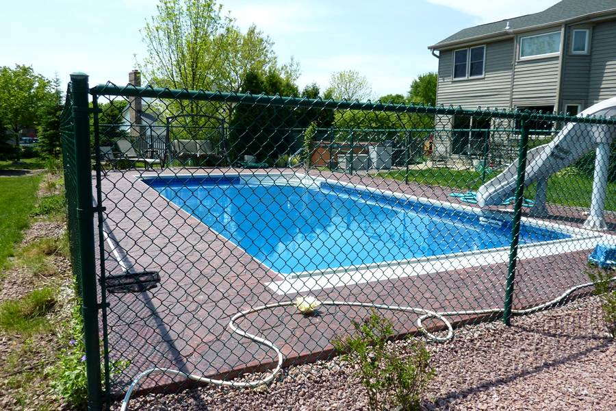 Chain Link Pool Fencing Applied in Commercial & Personal Swimming Pool