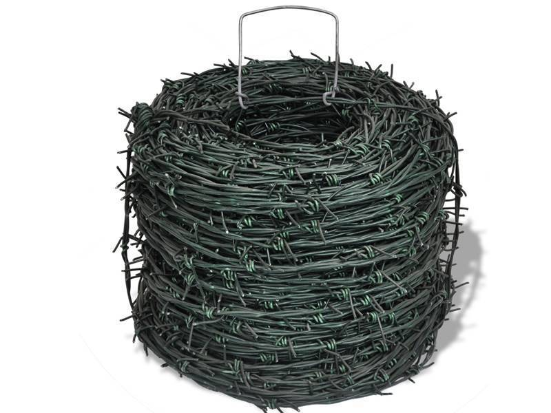 Gallery center of barbed wire