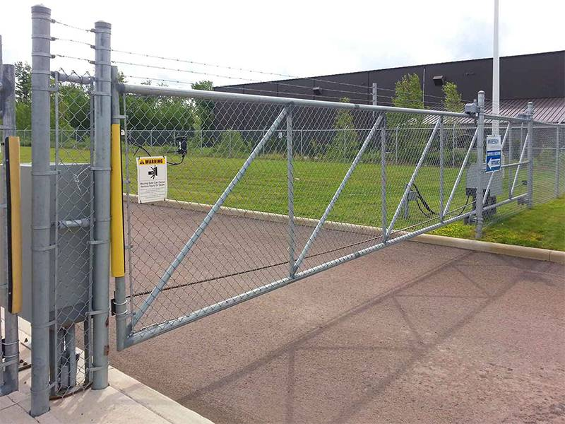 Automatically chain link slide gate in the restricted area.