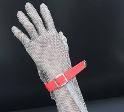 A five-finger long-cuff chainmail glove with double snap-fastening.