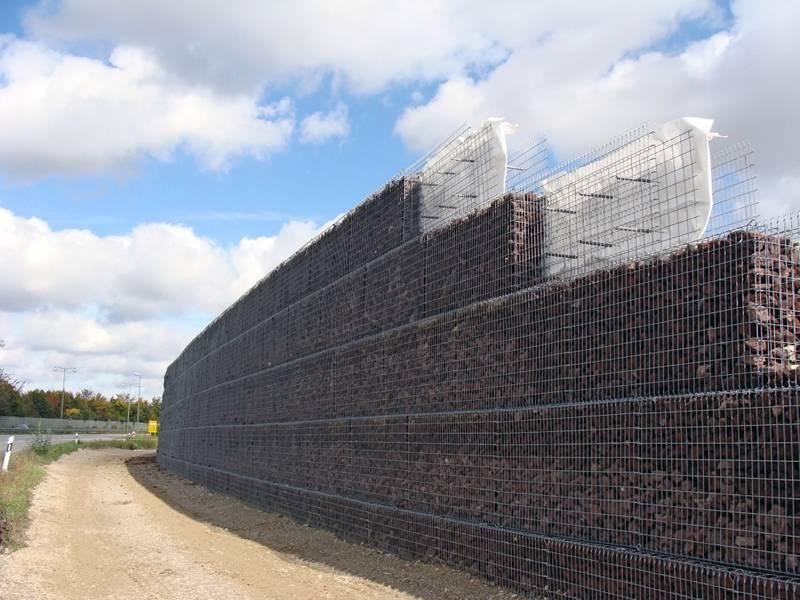 Gabion Noise Barrier Applied As Noise Locking In Road