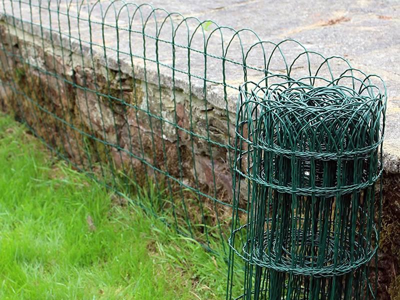Border garden fence for park flower bed lawn