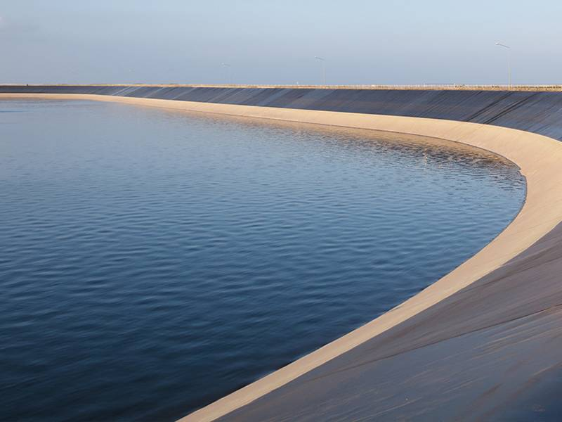 This is a beautiful embankment with geomembrane.