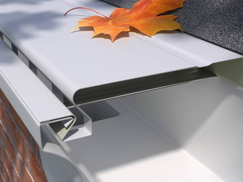 The solid gutter guard is installed in the eaves with gutter.