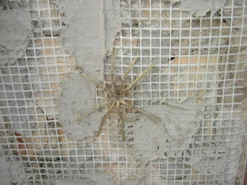 Fiberglass Plaster Mesh Protecting Building Wall Against