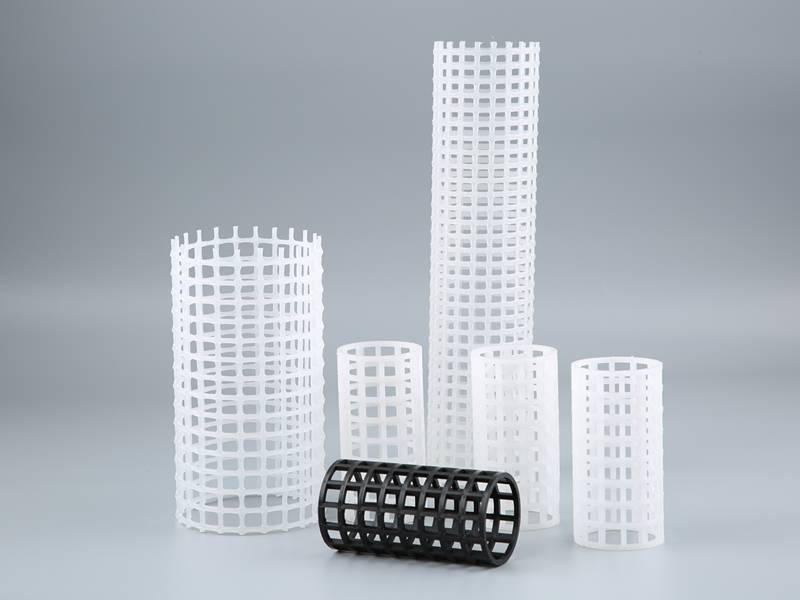 There are six different sizes of plastic rigid mesh tube, five is white, one is black.