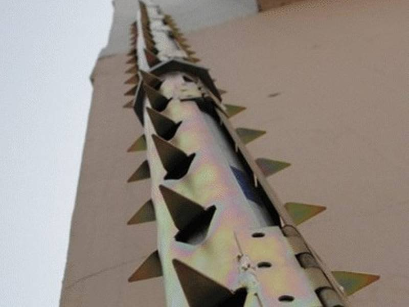Razor Spikes Tube Used on Outer Building Wall Railings and