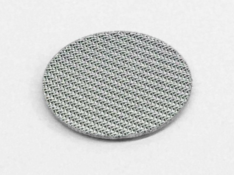 This is one sintered filter disc, and the top layer is dutch weave wire mesh.