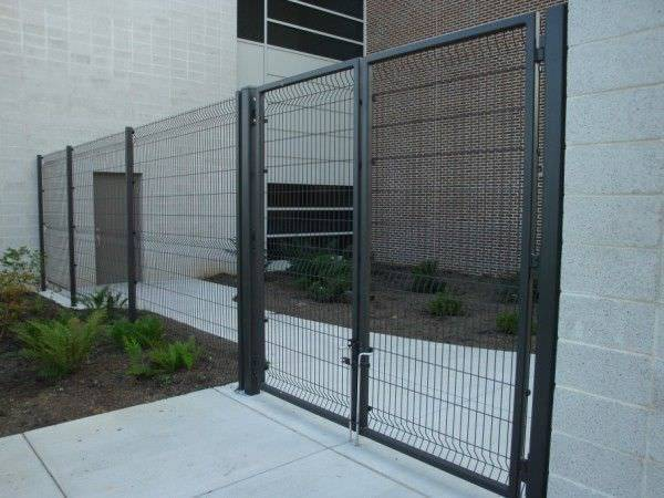 Welded wire security fence for school railway and private