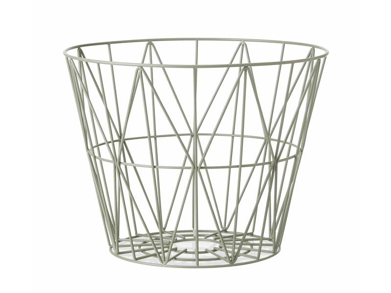 Large inner space diamond mesh hole storage basket.
