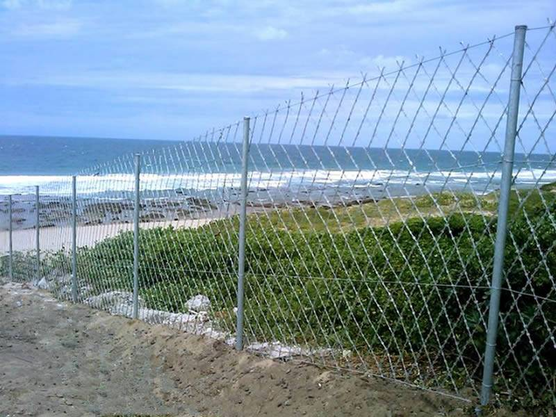 Razor mesh panel is installed to restrict the area nearby the sea.